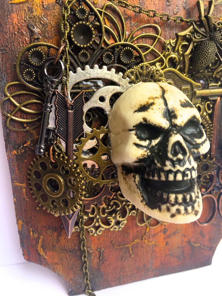 Butterbee Scraps Skull Collgae